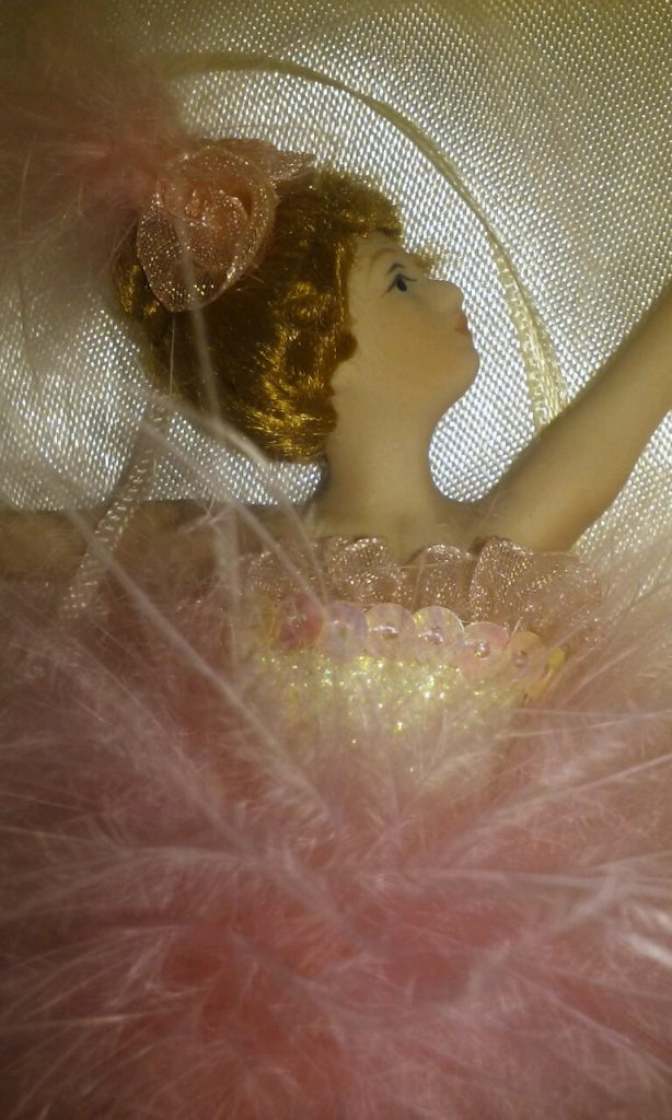 porcelain-ballerina-figure2